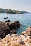 Côte d'île d'Evia Photos stock