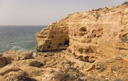 C?te d'Algarve chez Carvoeiro image libre de droits