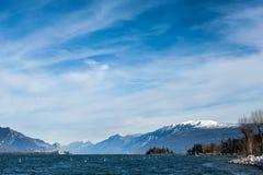 Côte de lac de policier, desencano, Italie Photo stock