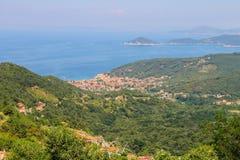 Côte de mer tyrrhénienne sur Elba Island, Italie photos libres de droits