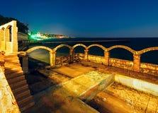 Côte de nuit de mer (Bulgarie) Photographie stock