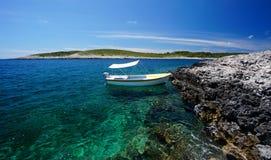 Côte des îles de Paklinski, près de Hvar, la Croatie Images libres de droits