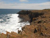 Côte la Mer Noire et roches d'origine volcanique Photos libres de droits