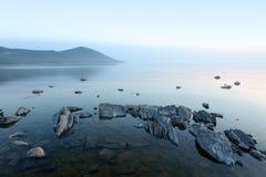 Côte, le lac Baïkal, Russie Photographie stock