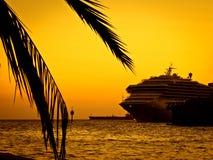 Côte Luminosa de bateau de croisière Images stock