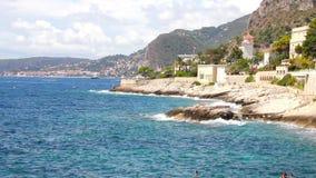 Côte méditerranéenne dans le d'Ail de chapeau, la Côte d'Azur clips vidéos