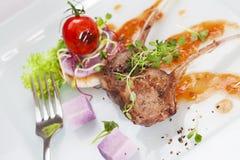 Côtelette d'agneau rôtie Image stock