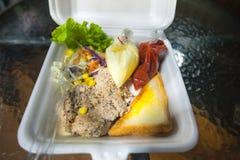 Côtelette de porc dans la boîte. photo libre de droits