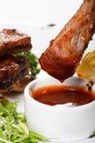 Côtes découvertes de barbecue Images stock