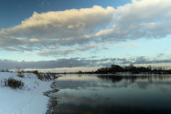 33c ural χειμώνας θερμοκρασίας της Ρωσίας τοπίων Ιανουαρίου Όχθη ποταμού Στοκ φωτογραφίες με δικαίωμα ελεύθερης χρήσης