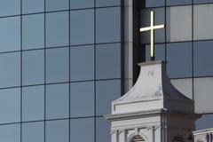 c002 krzyża nowoczesnego kościoła urzędu Fotografia Royalty Free