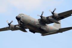 c130赫拉克勒斯军人飞行 免版税库存照片