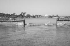 CaÃda de Ponte Imagens de Stock Royalty Free
