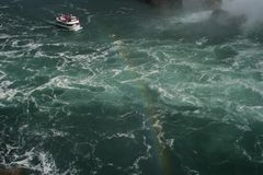 CaÅ Niagara Falls w 'ej okazaÅ 'oÅ› Ci Stockfoto