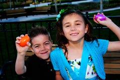 Caça bem sucedida do ovo de Easter Imagem de Stock Royalty Free