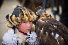 Caçador da águia da jovem senhora Imagem de Stock Royalty Free