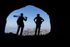 Caçando a aventura, a paixão para a natureza e as montanhas fotografia de stock royalty free