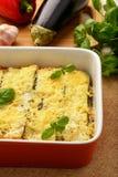 Caçarola com galinha, beringela, abobrinha e tomates Imagem de Stock Royalty Free