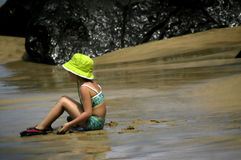 Caçoe o tempo na praia Fotografia de Stock
