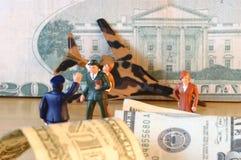 Caída, dólares, finanzas, confusión y pérdida Fotografía de archivo libre de regalías
