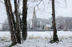 Caída de la nieve de la iglesia del St Maria Imagenes de archivo