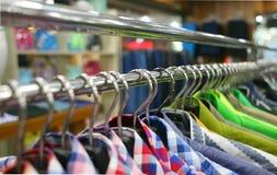 Caída de la ropa fotografía de archivo libre de regalías