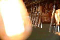 Caída de los vidrios de cóctel del techo Fotografía de archivo libre de regalías