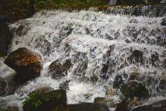 Caída del agua Imágenes de archivo libres de regalías