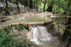 Caída del agua de la Wang-Sai-correa en Satun, Tailandia Fotos de archivo
