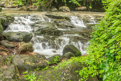 Caída del agua de Sariga Imagenes de archivo