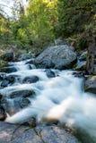 Caída del agua en el parque nacional de Yosemite, California Fotos de archivo