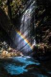 Caída del arco iris imagen de archivo