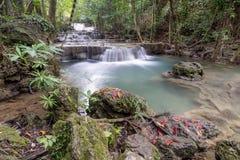 Caída Huay Mae Khamin Kanchanaburi Thailand del agua Imagen de archivo libre de regalías