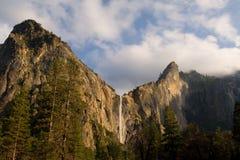Caída nupcial de los velos, parque nacional de Yosemite Foto de archivo libre de regalías