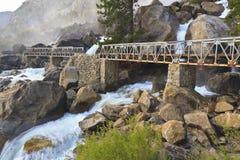 Caídas brumosas y puente de Wapama Imagenes de archivo