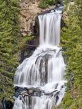 Caídas de Endine: Zambullida del triple de Yellowstone Foto de archivo