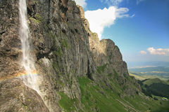 Caídas de la montaña Fotos de archivo libres de regalías