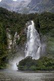 Caídas de señora Bowen, Milford Sound, Nueva Zelanda Imagen de archivo