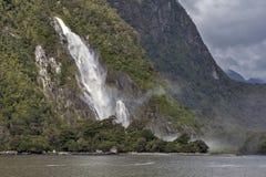 Caídas de señora Bowen, Milford Sound, Nueva Zelanda Fotografía de archivo libre de regalías