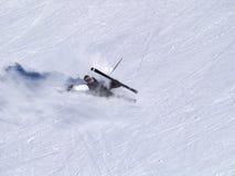 Caídas del esquiador Foto de archivo libre de regalías