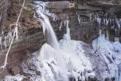 Caídas superiores congeladas de Kaaterskills Imagenes de archivo