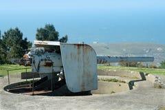Cañón costero abandonado de la batería imagenes de archivo