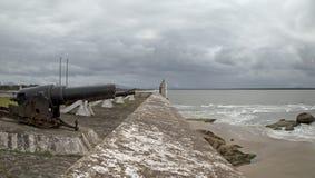 Cañón de Blomefield y x28; 1792-1830& x29; - en la fortaleza nuestra señora de placeres - Honey Island Brazil Foto de archivo