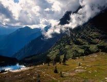Cañón del rastro ocultado del lago, Parque Nacional Glacier, Montana del soporte foto de archivo libre de regalías