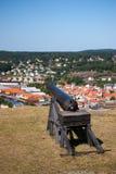 Cañón en la opinión del fuerte de Fredriksten y de Fredriksten Foto de archivo