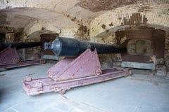 Cañón pesado de la artillería de la costa de la guerra civil en el fuerte Sumter foto de archivo