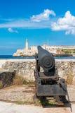 Cañón que tiene como objetivo la fortaleza del EL Morro en La Habana Fotografía de archivo libre de regalías