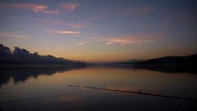 Caña de pescar, pesca de la noche Imagen de archivo