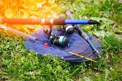 Cañas de pescar y trastos para pescar Fotografía de archivo