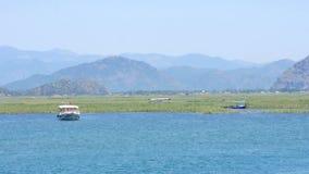 cañas del río del viaje del barco, dalyan histórico, ortaca, koycegiz, pavo metrajes